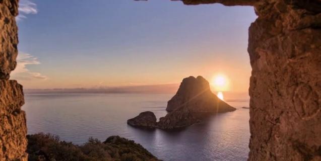 Making Of Ibiza Light