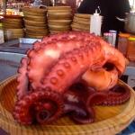 Sabrosos platos de la gastronomía gallega en la Feria Medieval de Ibiza