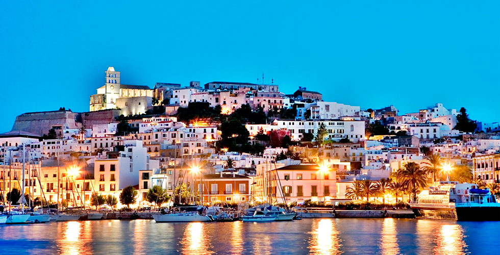 Making Of Ibiza con el Puerto de Ibiza y el barrio de la Marina
